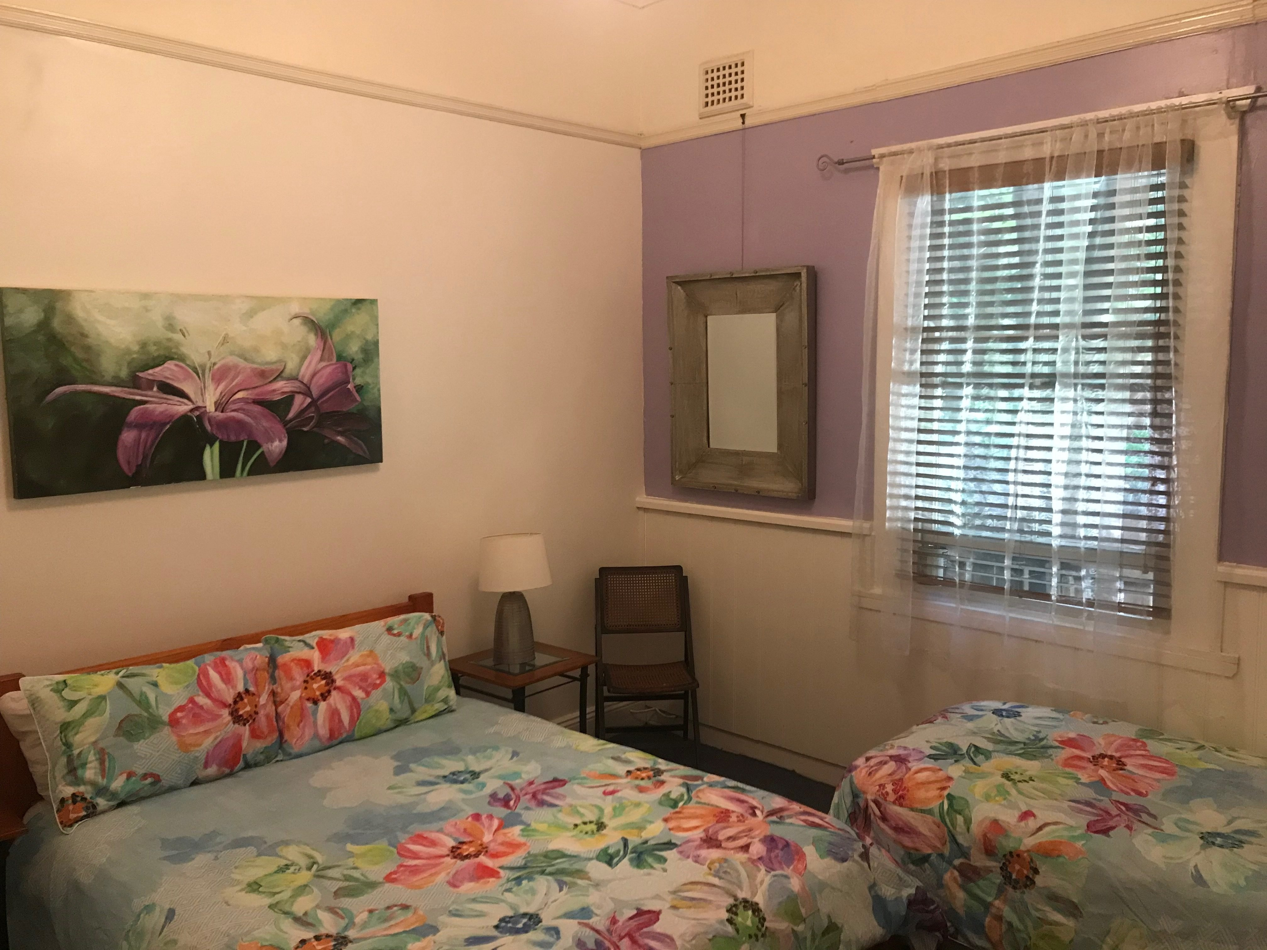 http://Well%20appointed%20triple%20room%20at%20the%20flying%20fox%20hostel%20blue%20mountains%20katoomba