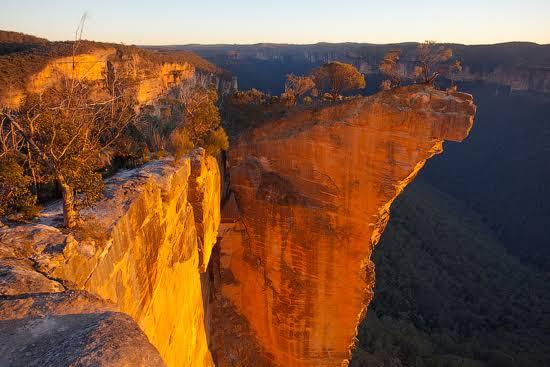 Hanging Rock blackheath at sunrise